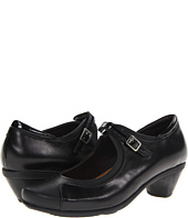 Naot Footwear - Cardinal