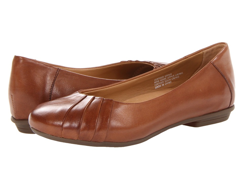 Earth Bellwether Almond Full Grain Leather Womens Shoes