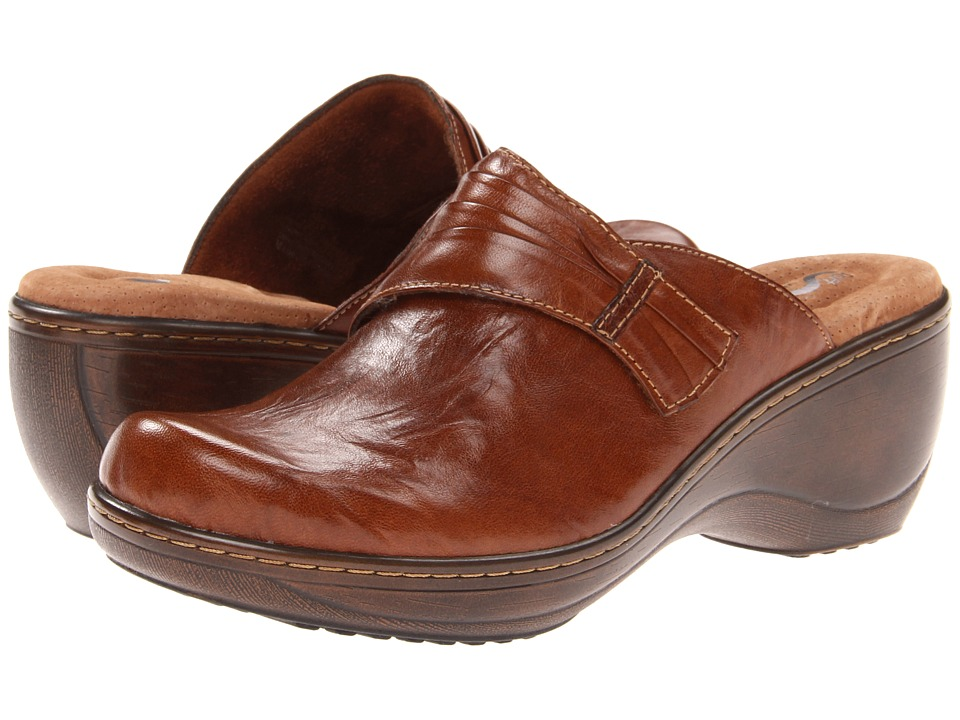SoftWalk Mason Cognac Vintage Waxy Wrinkled Leather Womens Clog Shoes