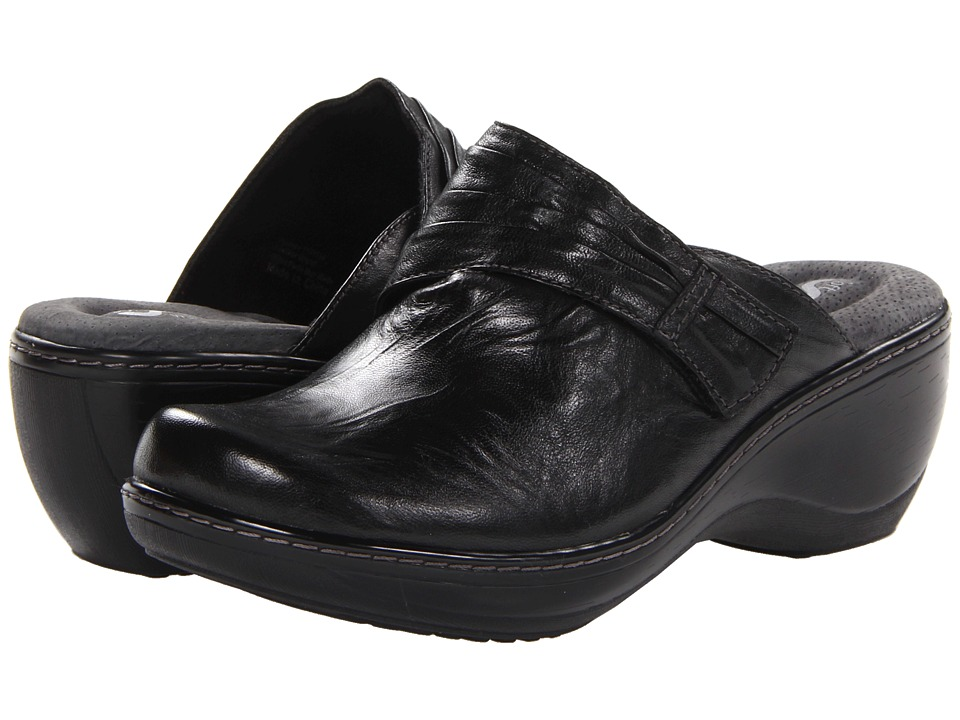 SoftWalk Mason Black Vintage Waxy Wrinkled Leather Womens Clog Shoes