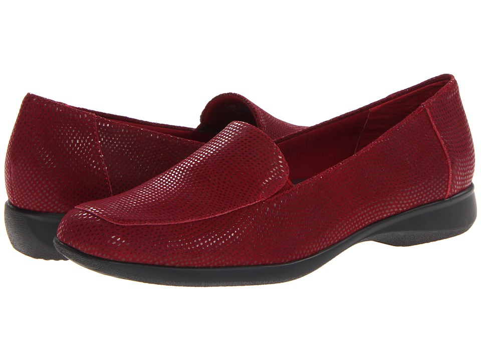 Trotters Jenn Mini Dots (Dark Red) Women's  Shoes
