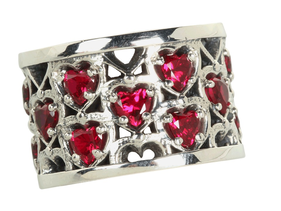 King Baby Heart Patterned Ring with Garnet Stones (Sterli...