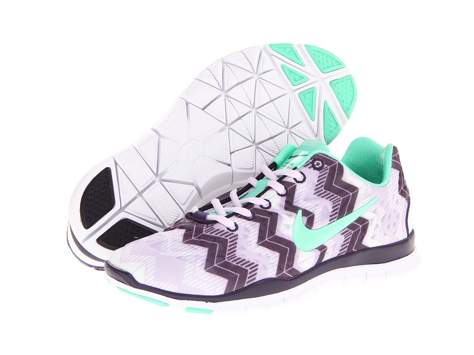 nike tennis shoes chevron