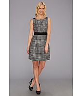 Jessica Simpson - Sleeveless Fit and Flare Dress w/ Front Skirt Pleats
