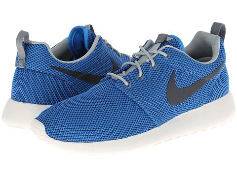 Sale alerts for Nike Roshe Run - Covvet