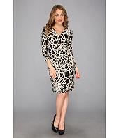 Nine West - Roped Medallion 3/4 Sleeve Side Tie V-Neck Dress