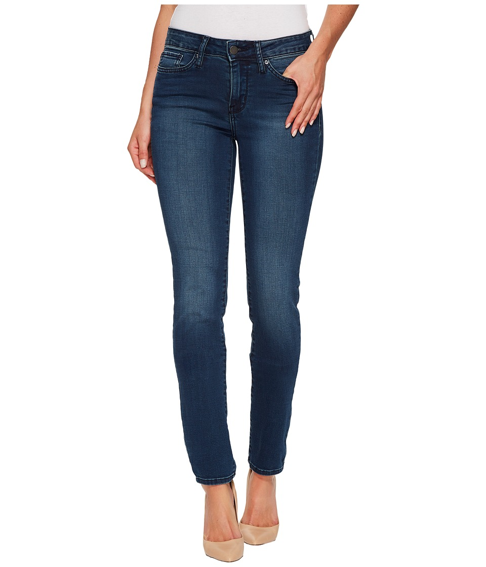 Calvin Klein Jeans Mid Rise Skinny in Green Tomatoes (Green Tomatoes) Women