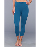 Spanx - Ready to Wow!™ Capri Structured Leggings