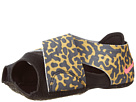 Nike - Studio Wrap 2 Print (Black/Gold Lead/Wolf Grey/Hyper Pink)