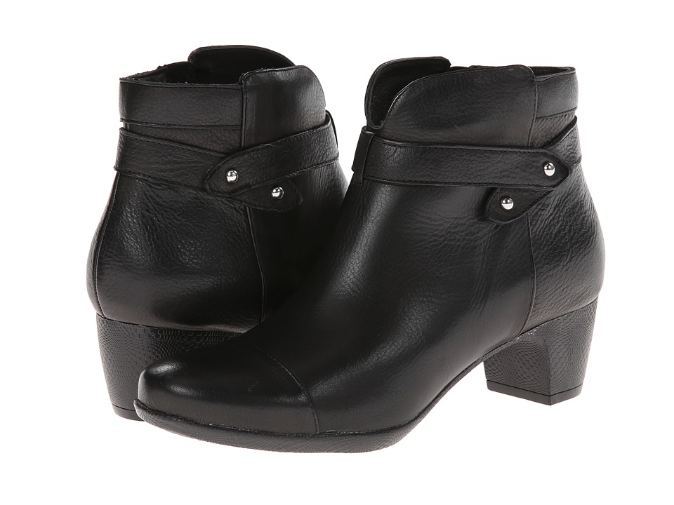 SoftWalk Ivanhoe Black Tumbled Leather Womens Zip Boots
