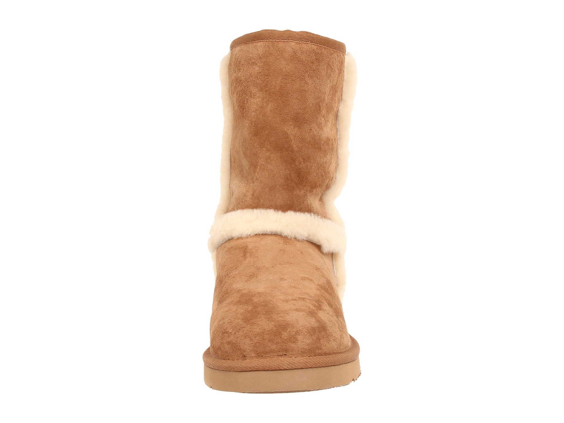 ugg logo on back of boot