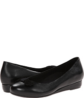 VIONIC - Lydia Low Wedge Pump