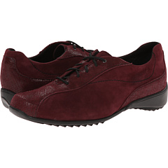 Munro American Sydney in Wine Suede/Crosshatch
