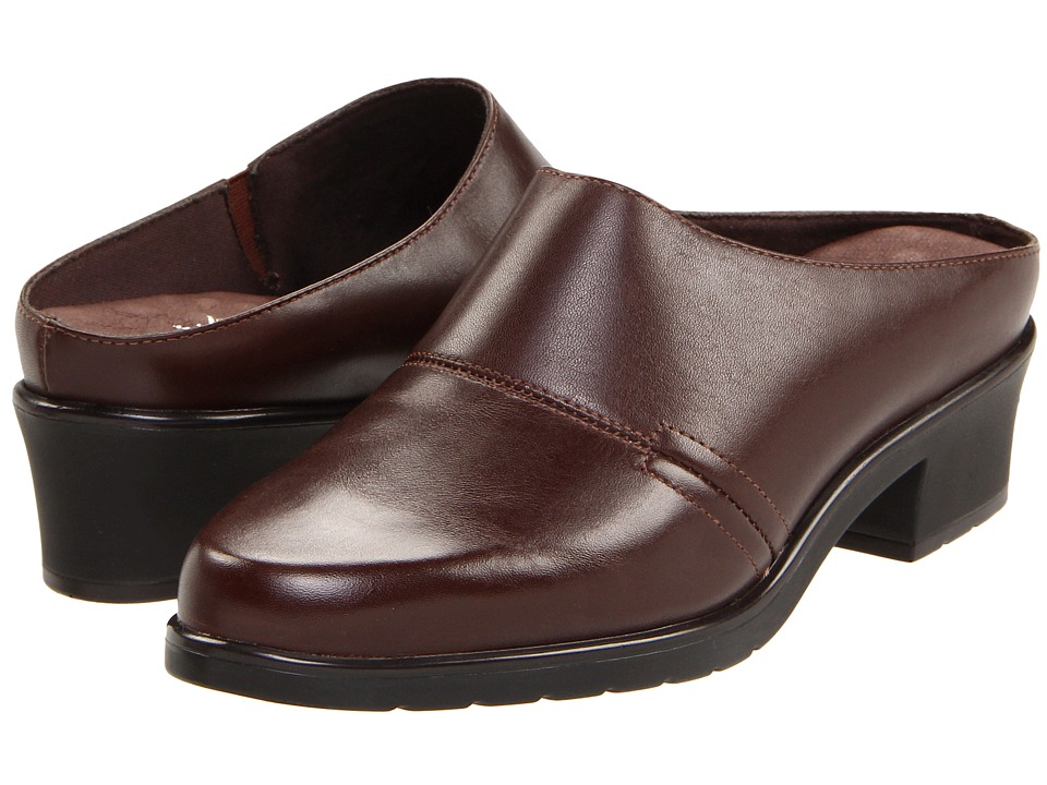 Walking Cradles Caden (Brown Nappa) Women's Clogs