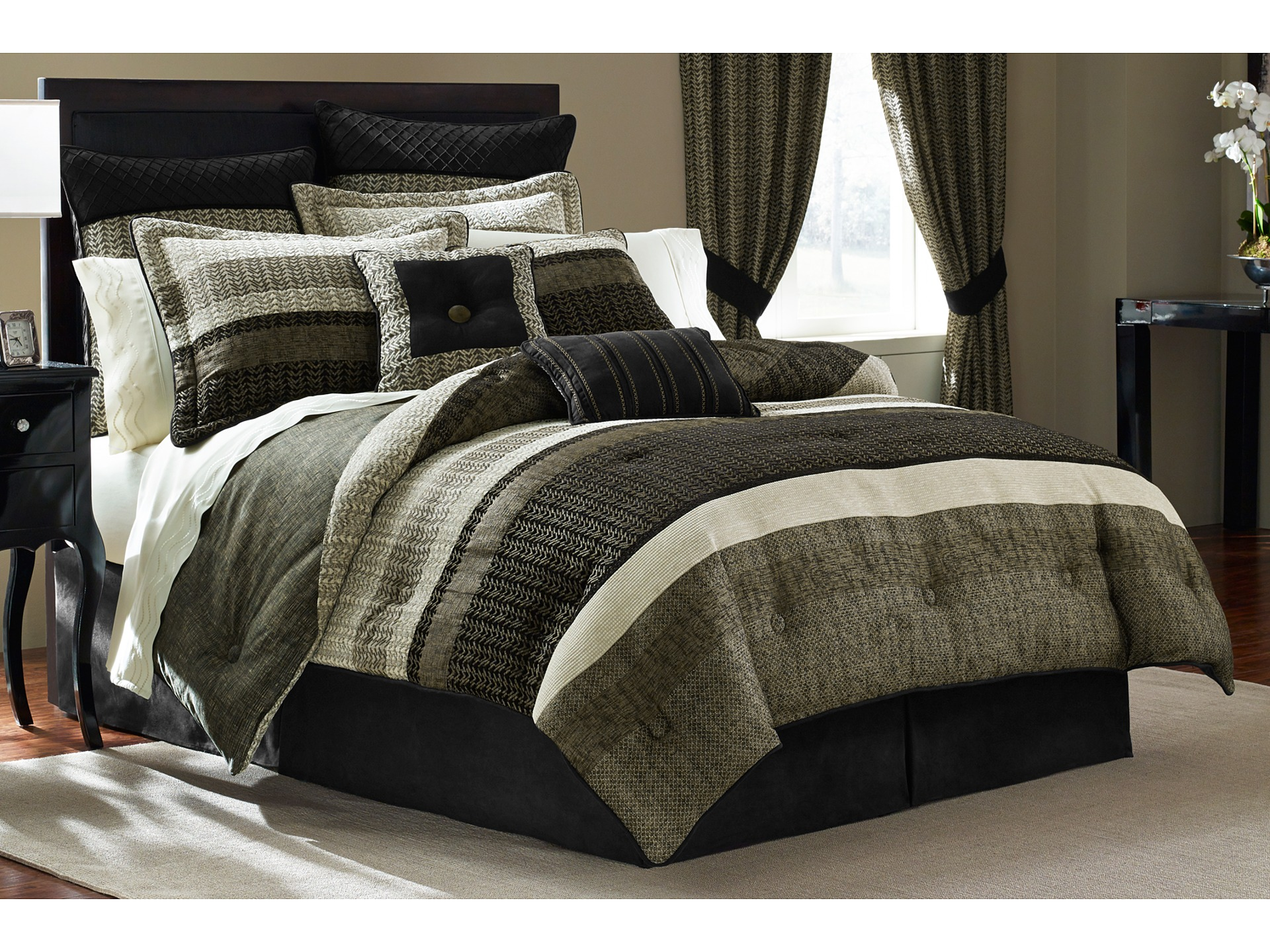 Croscill Portland Comforter Set Cal King Black Ivory