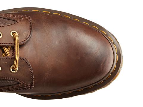 6PM显示的新鞋脚折处