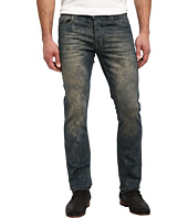 Calvin Klein Jeans - Slim in Distressed Camo