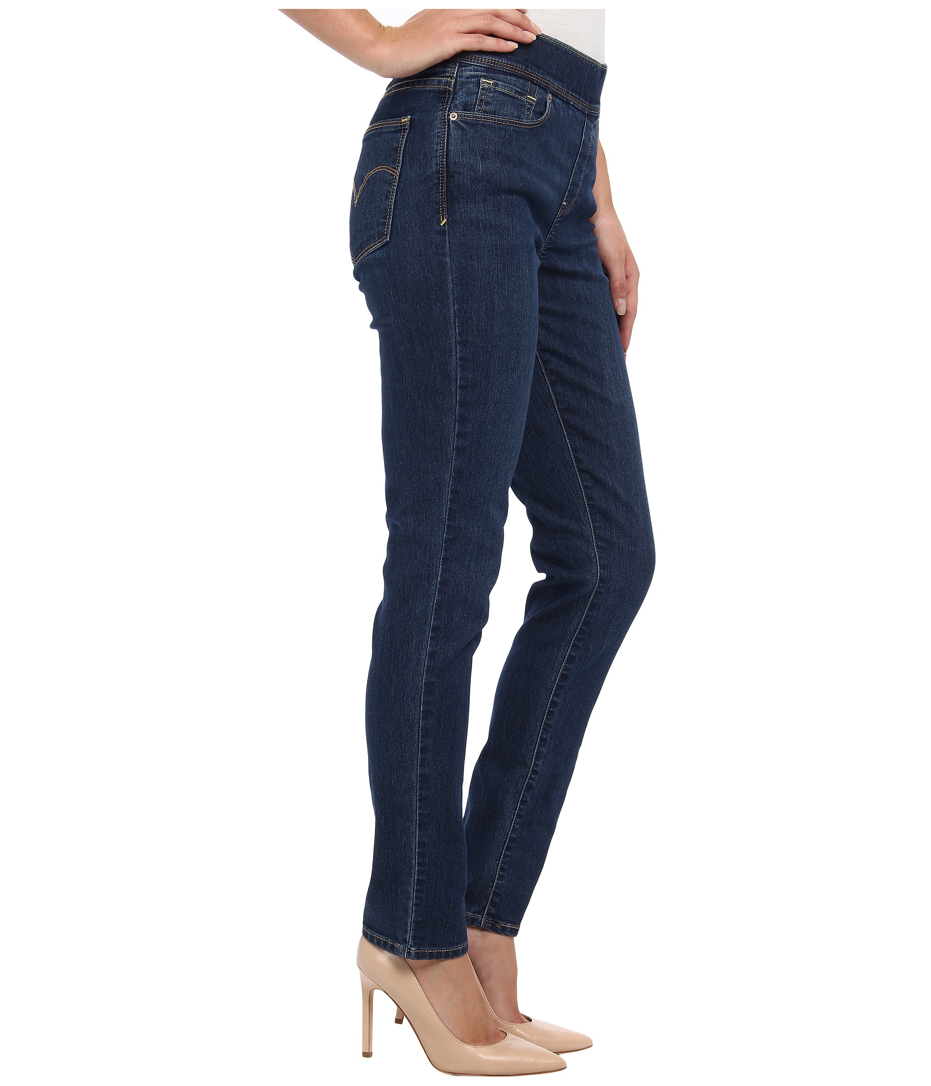 Levi's® Womens Perfectly Slimming Pull On Skinny at Zappos.com