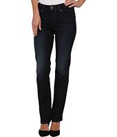 Levi's® Womens - Flatters & Flaunts Straight