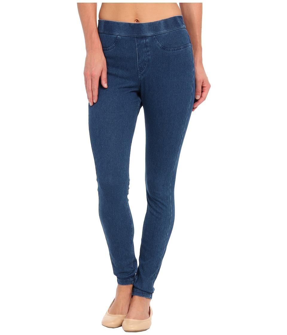 HUE - Curvy Fit Jeans Leggings (Medium Wash) Women's Clothing