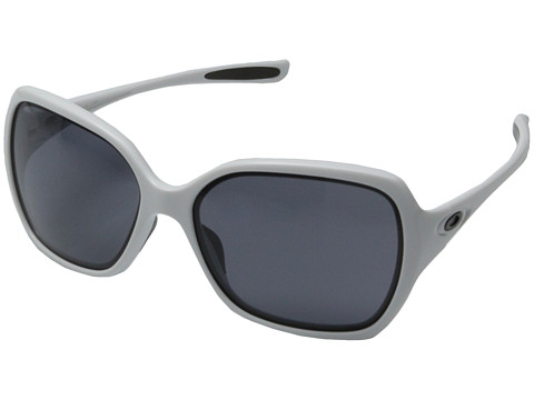 Get these Oakley Overtime Sunglasses which are now available at low price of $39.99; Originally $120.00