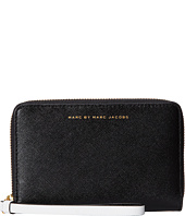 Marc by Marc Jacobs - Sophisticato Colorblocked Wingman