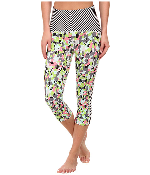 Spanx Active - Compression Knee Pant, Print Mix (Petal Power/Thin Stripe) Women's Workout