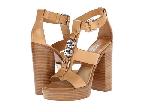 $1,000 Budget MIchael Kors sandals Jade Runway RedOstelinda.com