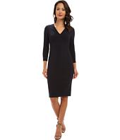 Donna Morgan - Wave Three-Quarter Sleeve V-Neck Seamed Body Con Dress