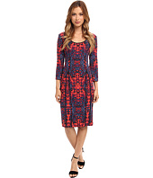 Donna Morgan - Printed Scuba 3/4 Sleeved Multiseamed Scooped Neck Body Con Dress