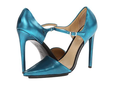 L.A.M.B. Will Womens Sandal