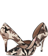 Betsey Johnson - Cossmo-P