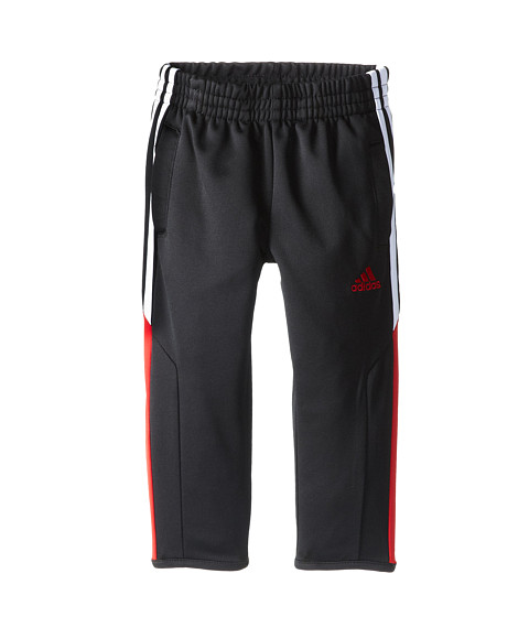 Soccer goalie pants and 3/4 goalkeeper pants are a necessary pieces of goalkeeper training equipment. Padded goalkeeper pants protect the hips, knees, and legs from repetitive diving during training, the bacteria and friction from turf, and weather.