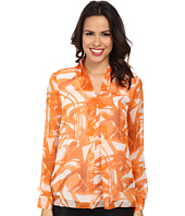 Vince Camuto - Long Sleeve V Blouse w/ Inverted Front Pleat