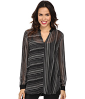 Vince Camuto - Long Sleeve Linear Stripe Front Seam Blouse