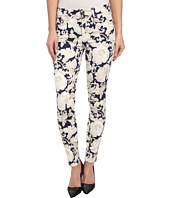 7 For All Mankind - The Ankle Skinny w/ Contour Waistband in White/Navy Floral
