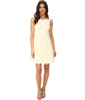 Jessica Simpson - Sleeveless Lace Dress