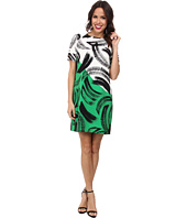 Vince Camuto - Short Sleeve Artful Strokes Shift Dress