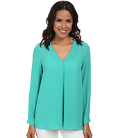 Vince Camuto - Long Sleeve V-Neck Blouse w/ Inverted Front Pleat