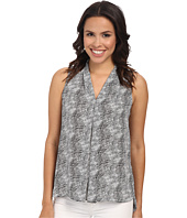 Vince Camuto - Sleeveless Starlight Dots V-Neck Blouse w/ Front Pleat