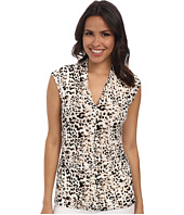 Vince Camuto - Sleeveless Leopard Pleat V-Neck Top