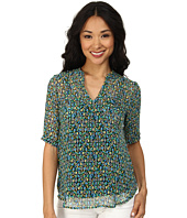 TWO by Vince Camuto - Short Sleeve Broken Forms Split Neck Tunic