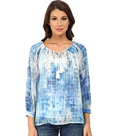 TWO by Vince Camuto - Diffused Damask Peasant Top