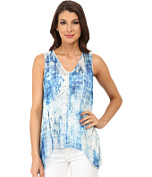 TWO by Vince Camuto - Sleeveless Diffused Damask Split Back Tank