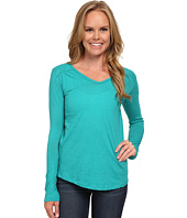 Columbia - Everything She Needs™ V-Neck Long Sleeve
