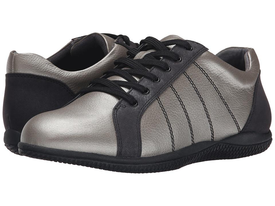 SoftWalk - Hickory (Silverwash/Black Soft Tumbled Leather/Distress Nubuck) Women