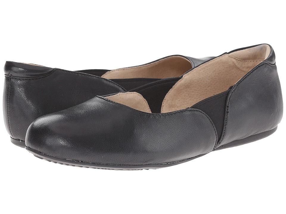 SoftWalk Norwich Black Soft Tumbled Leather Womens Dress Flat Shoes