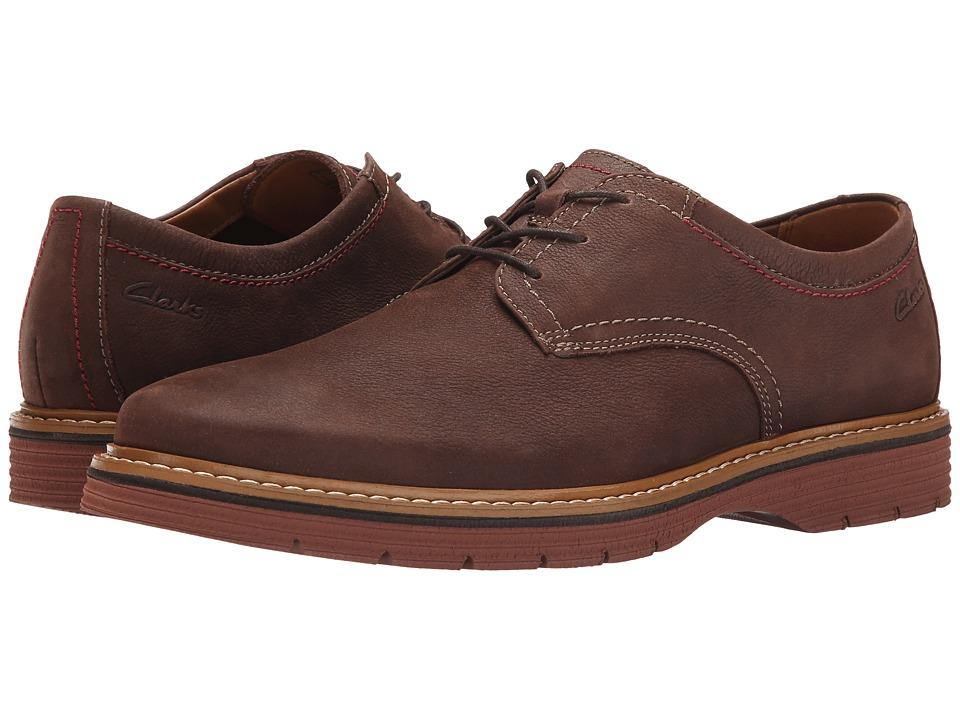 Clarks - Newkirk Plain (Dark Brown Nubuck) Mens  Shoes