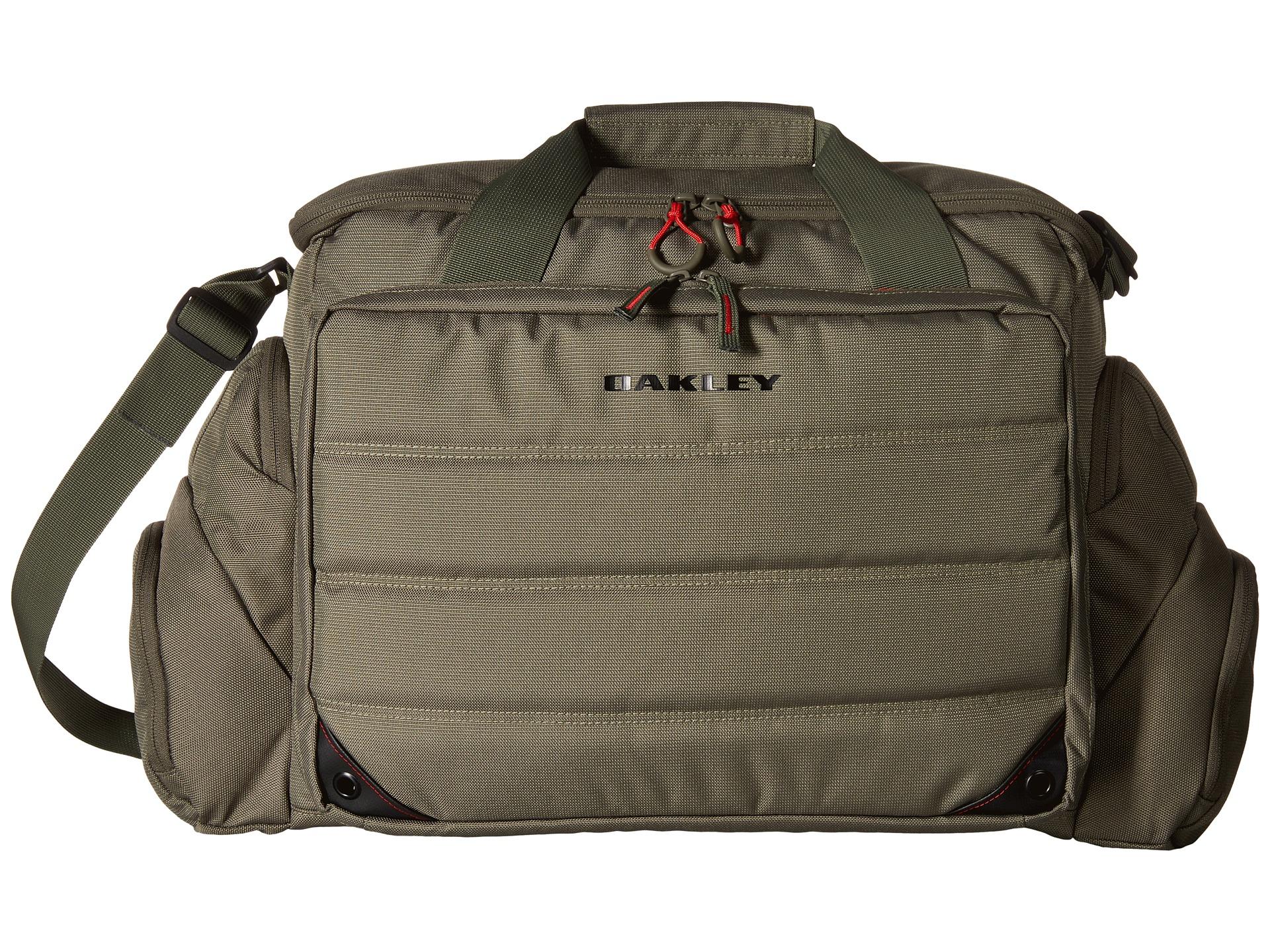 f8d00977007b4 Oakley Breach Range Bag
