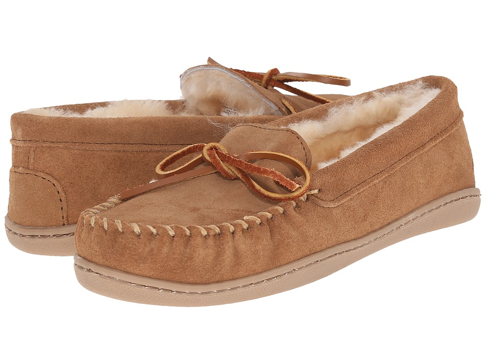 Minnetonka Sheepskin Hardsole Moc (Golden Tan) Women's Mo...